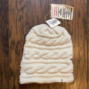 Nirvanna Design Inc. Triple Braid Cable Knit Hat